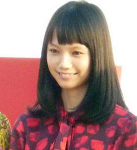 宮崎あおいのロングボブ髪型&前髪ショート5