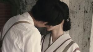 綾野剛と満島ひかりのキスシーン