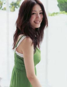 綾瀬はるかのパーマ髪型