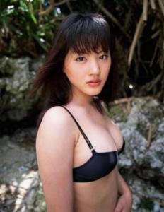 なぜ、綾瀬はるかの写真集が売れないのか?