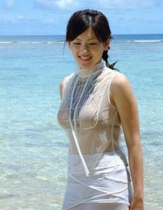 綾瀬はるかの胸のカップサイズ…