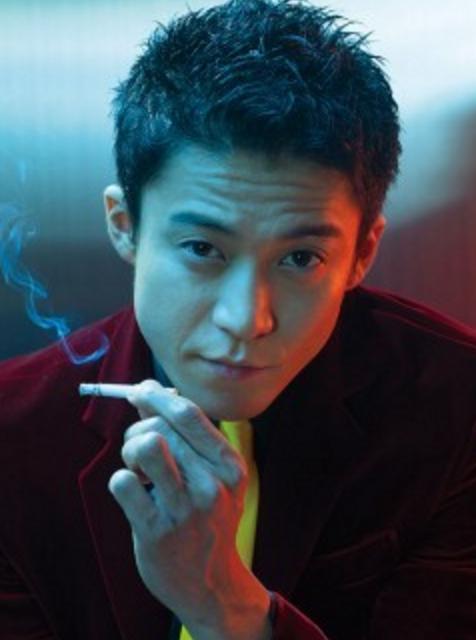 【タバコの銘柄は!?小栗旬が情熱大陸で…】